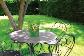 Biochimenea de sobremesa en acero esmaltado en verde